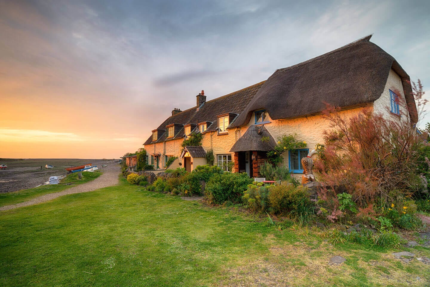 Last-minute Group Accommodation Cottages in  Rhosyr  - Save up to 60%