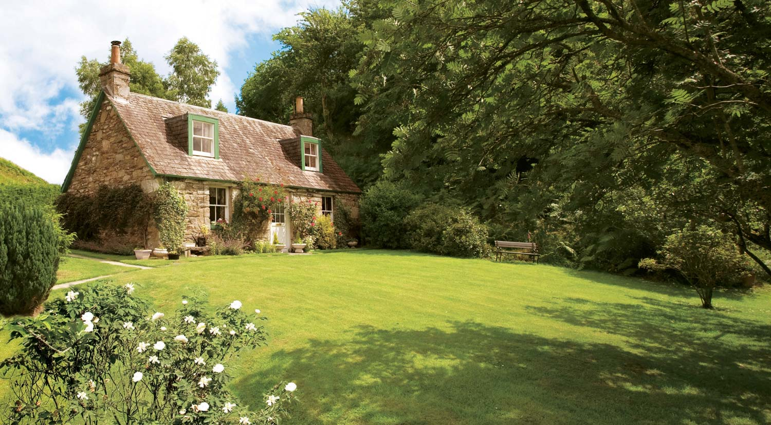 Last-minute Garden Cottages in  England  - Save up to 60%
